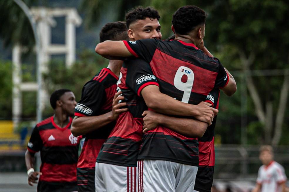 Flamengo goleia do Inter na Gávea pelo Brasileiro sub-17 — Foto: Paula Reis/Flamengo