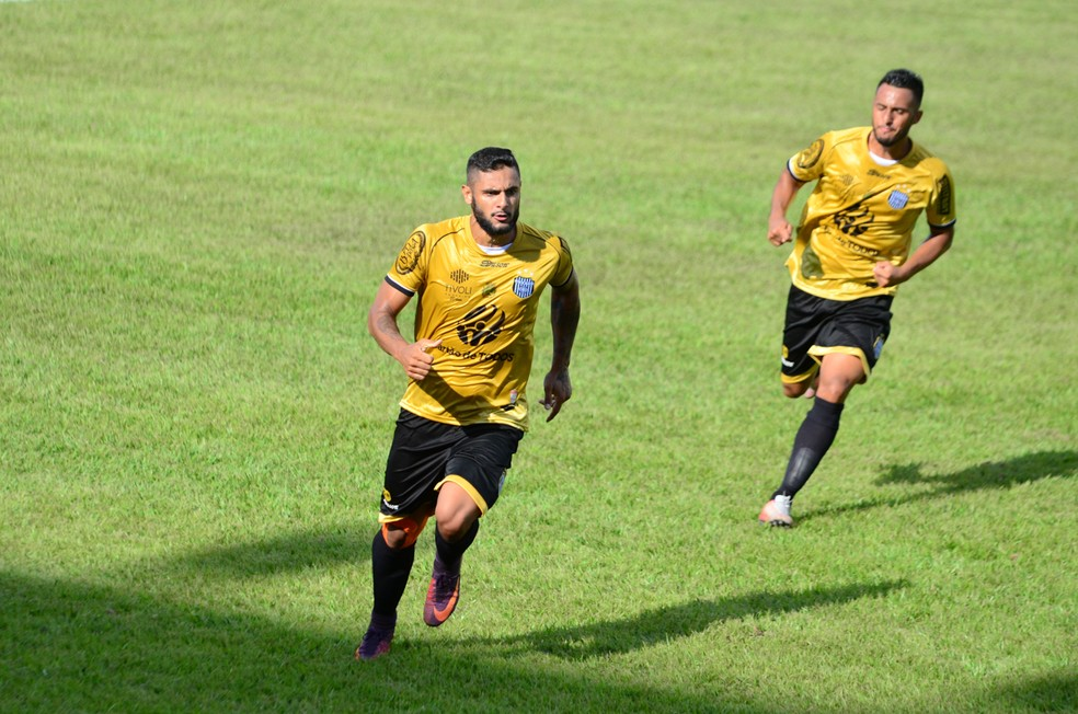 1e2b9df0f ... União Barbarense busca segunda vitória consecutiva — Foto  Sanderson  Barbarini