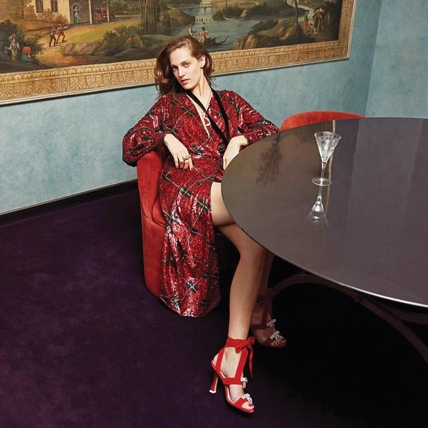 ATTICO - As coleções da marca refletem o lifestyle de suas fundadoras, as italianas Giorgia Tordini e Gilda Ambrosio, em roupas opulentas, sensuais e com um acento teatral (Foto: Getty Images e Divulgação)