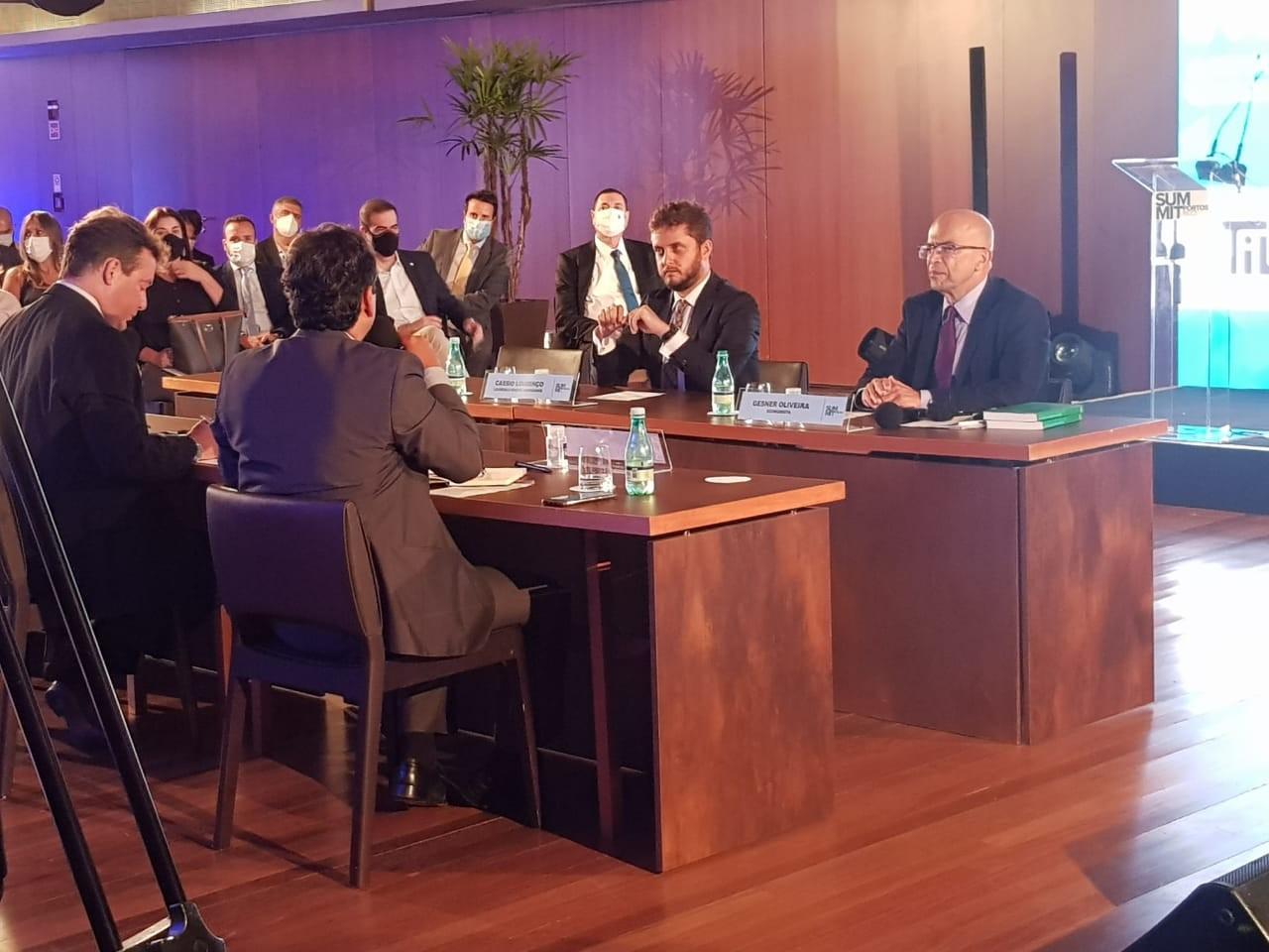 Especialistas destacam importância da segurança jurídica e do investimento em infraestrutura para o avanço do setor portuário no Summit Portos 5.0
