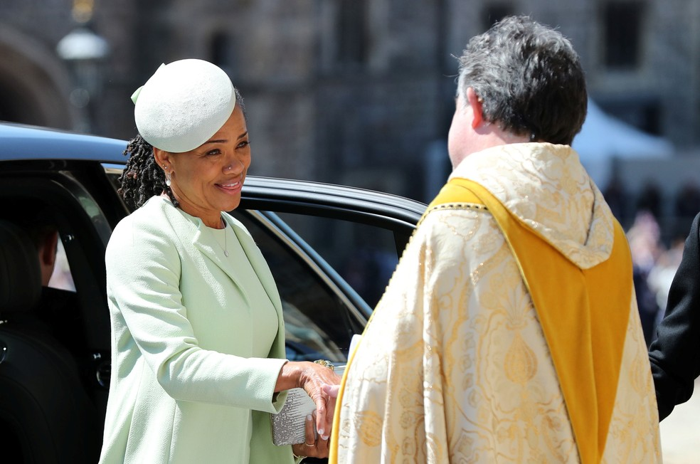 Doria Ragland, mãe de Meghan Markle (Foto: Gareth Fuller/Pool via Reuters)