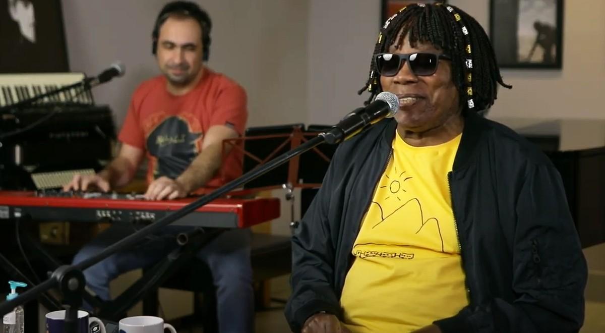 Milton Nascimento oferece 'música em forma de amor' na primeira live | Blog do Mauro Ferreira