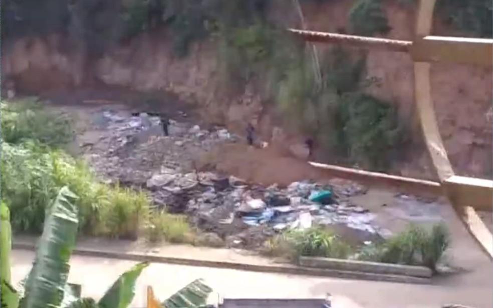 Detentos fogem do Complexo Penitenciário da Mata Escura, em Salvador — Foto: Reprodução/TV Bahia