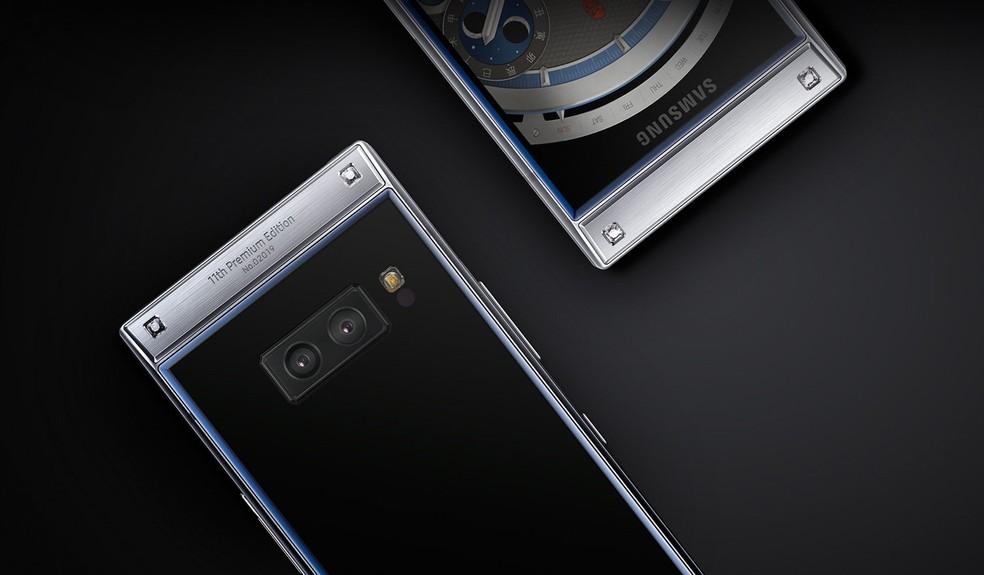 W2019 traz câmera dupla com o sistema de abertura variável — Foto: Divulgação/Samsung