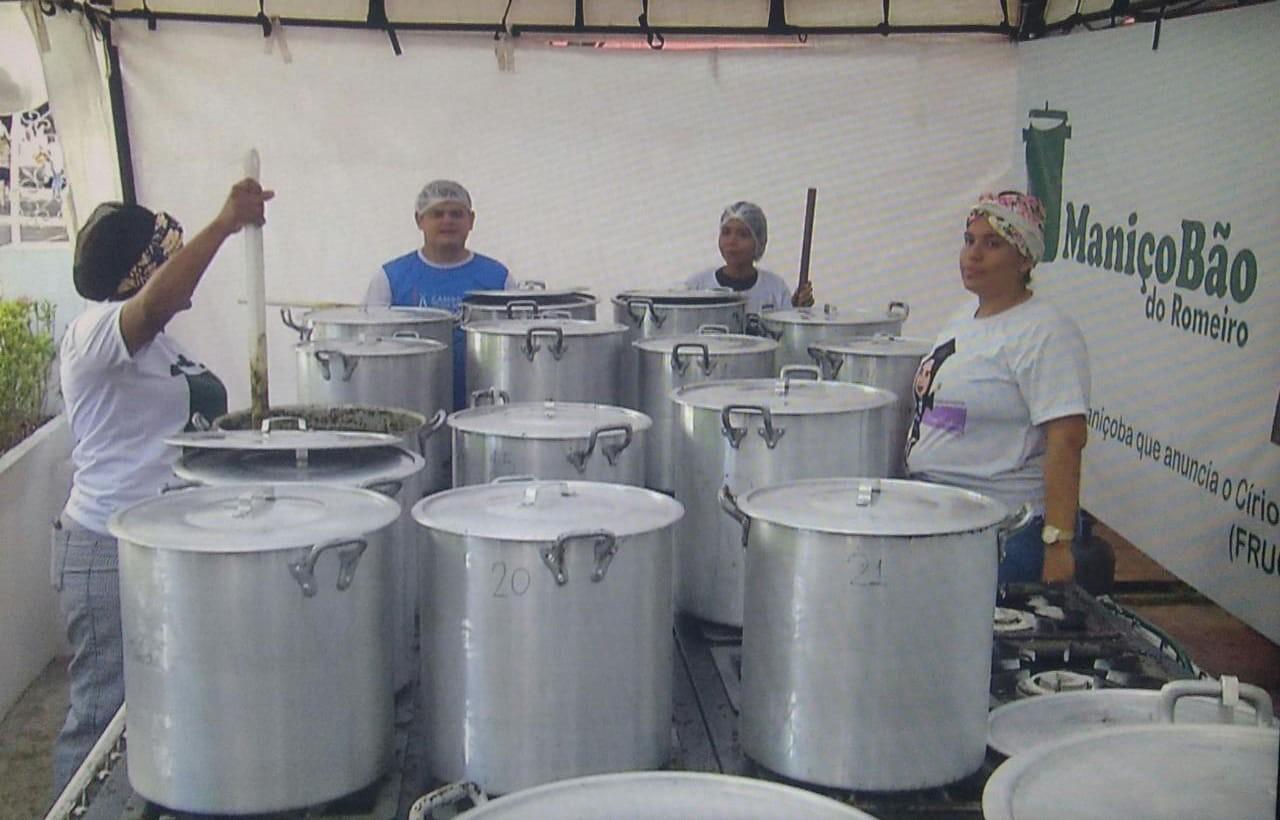 Projeto distribui mais de uma tonelada de maniçoba de graça no Círio de Nazaré - Notícias - Plantão Diário