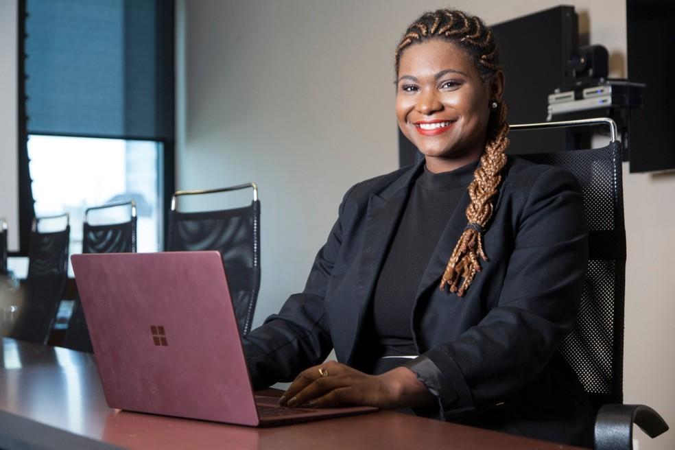 Lisiane foi reconhecida pela Forbes Brasil entre os 91 destaques abaixo dos 30 anos que fazem a diferença no país — Foto: Divulgação/Microsoft