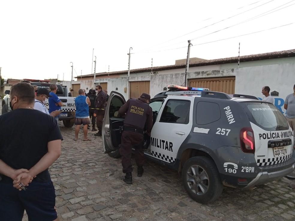Erickson foi morto na porta de casa em Mossoró — Foto: Inter TV Costa Branca