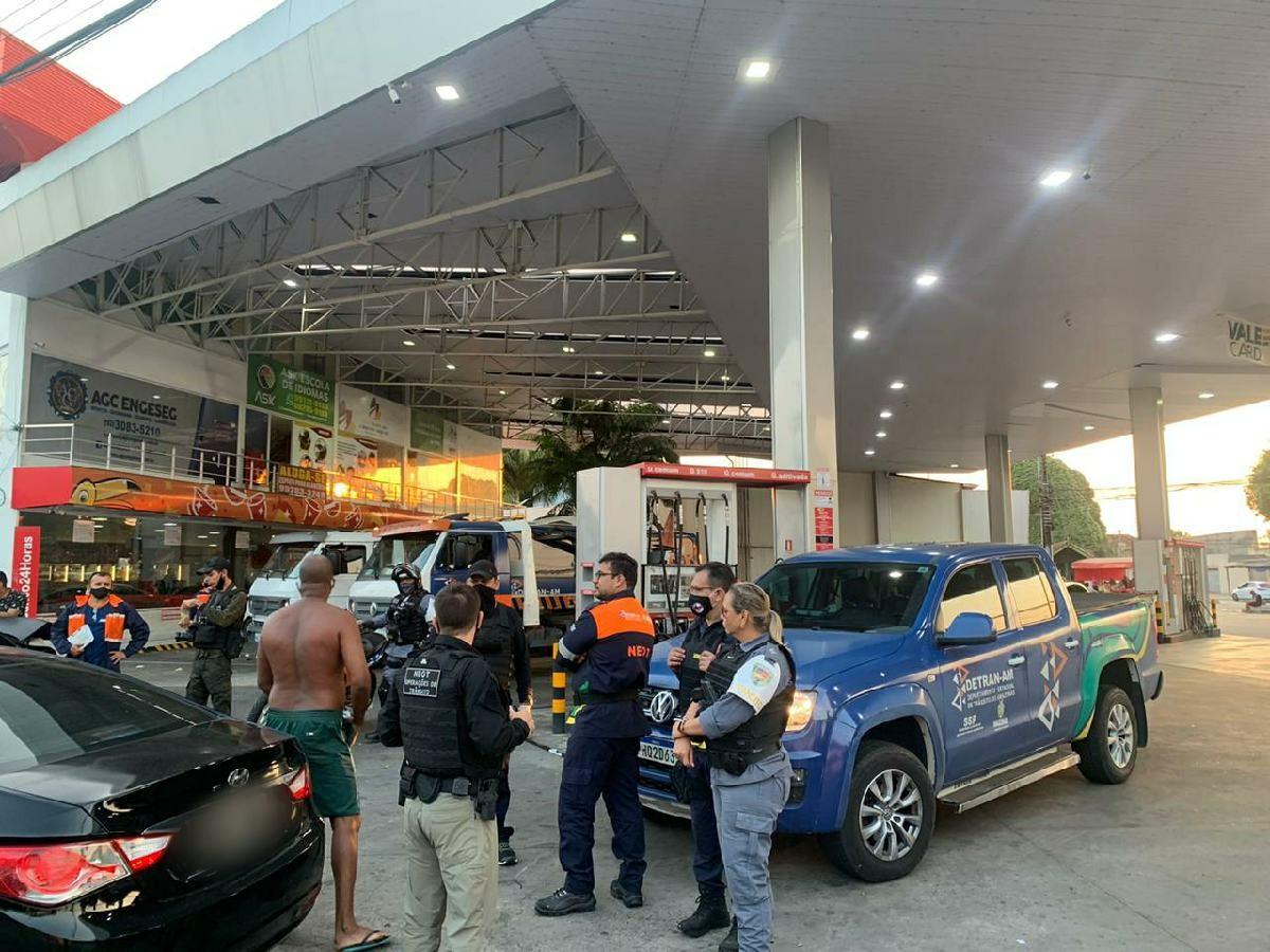 Detran flagra 30 motoristas dirigindo embriagados e remove paredões de som em Manaus