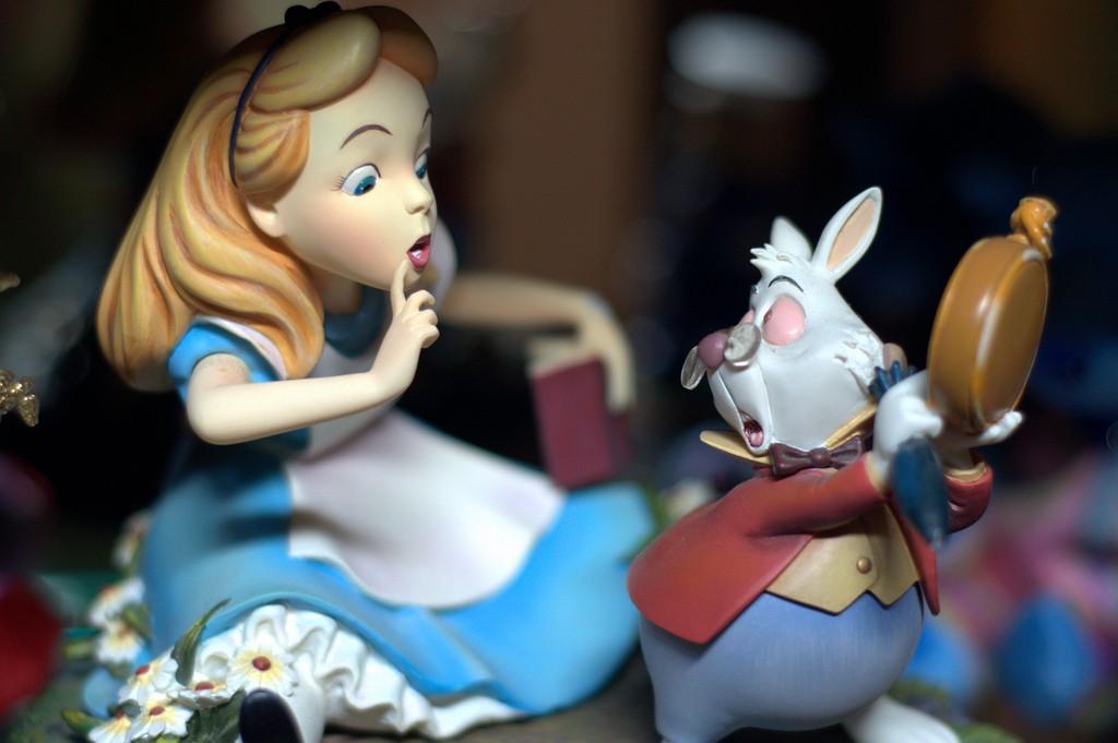 O que a neurociência tem a dizer sobre 'Alice no País das Maravilhas' - Revista Galileu   Cultura