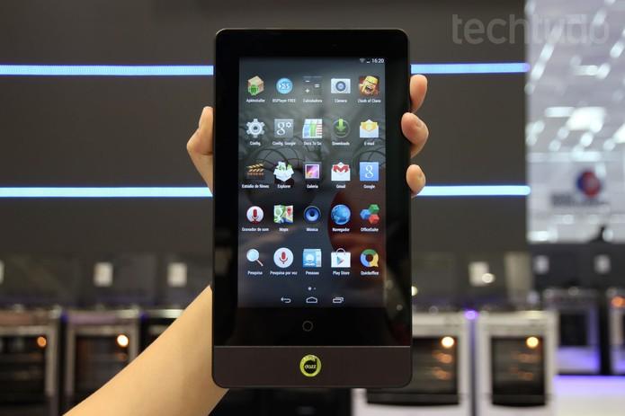 Dazz lança tablet com projetor integrado (Foto: Isadora Díaz/TechTudo)