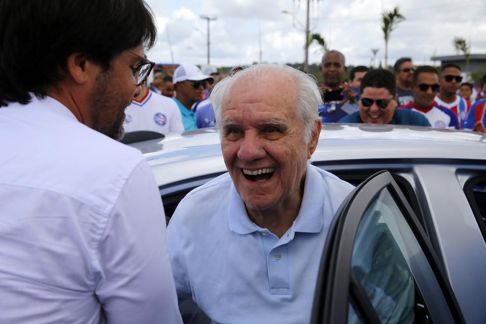 Treinador Evaristo de Macedo foi o grande homenageado — Foto: Felipe Oliveira/Divulgação/E.C. Bahia