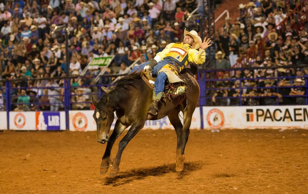 Provas de montaria a cavalo tiveram as finais realizadas neste domingo (26), na Arena Barretos (Foto: Érico Andrade/G1)