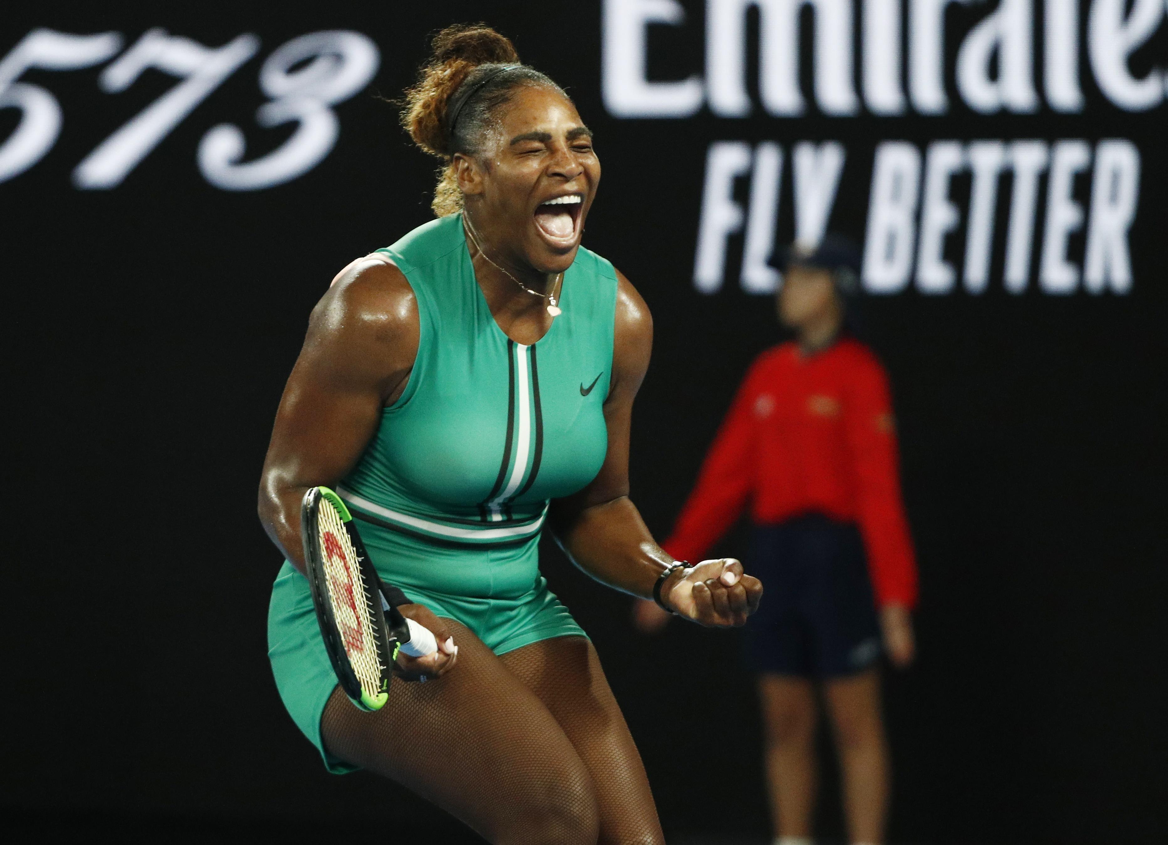 Serena Williams vibra na partida contra Halep