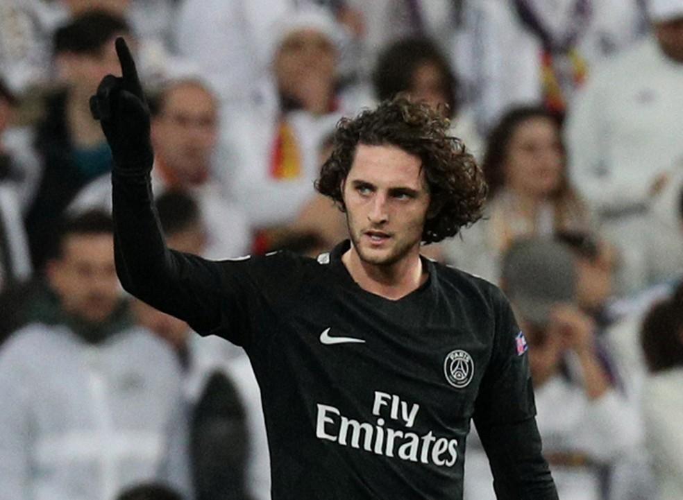 Rabiot tentou forçar saída do PSG para o Barça — Foto: Reuters