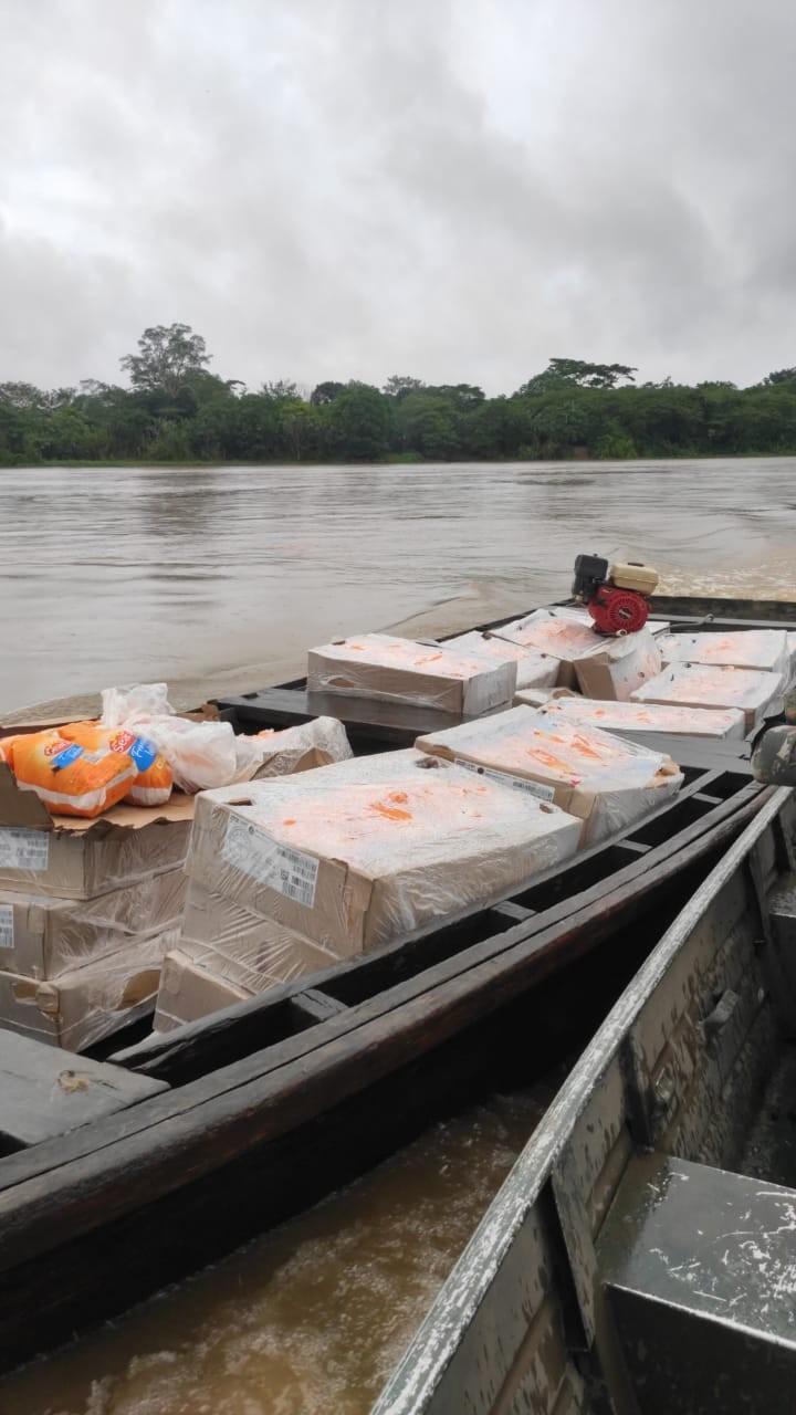 Cerca de 800 quilos de frango que seriam levados para a Bolívia são apreendidos em Guajará, RO