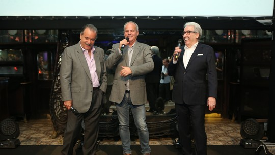 Alcides Nogueira e Jayme Monjardim elogiam protagonistas e comentam final de 'Tempo de Amar': 'Cenas de emoção'