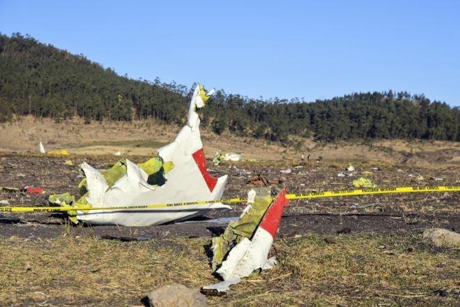 O avião caiu apenas seis minutos após decolar em Adis-Abeba, a capital da Etiópia, com destino a Nairobi, no Quênia (Foto: EPA via BBC News Brasil)