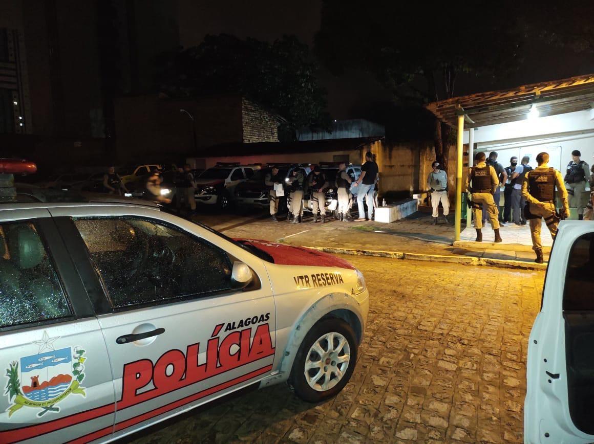 Operação da Segurança Pública prende suspeitos de tráfico de drogas em Maceió