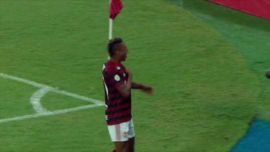 """Sem Gabigol, Bruno Henrique revive """"missão centroavante"""" no Flamengo e na Libertadores"""