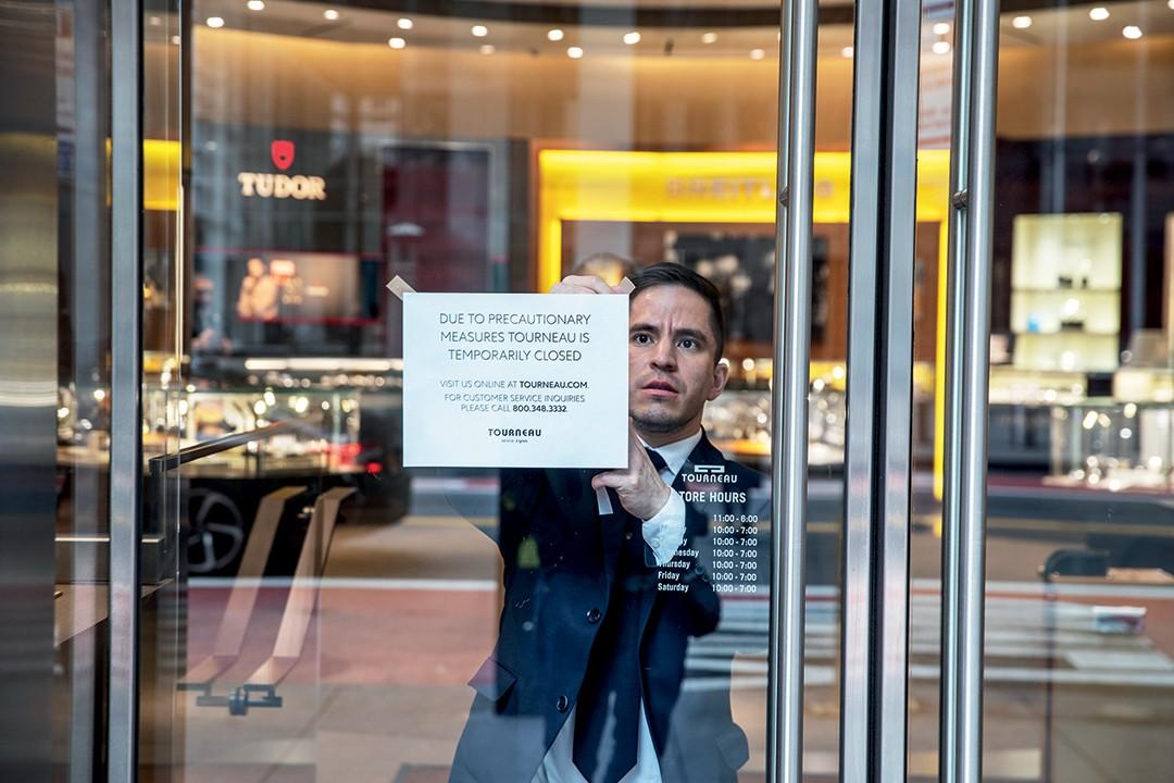 Epidemia do engajamento - Loja de departamento Printemps, em Paris, de portas fechadas (Foto: Divulgação)