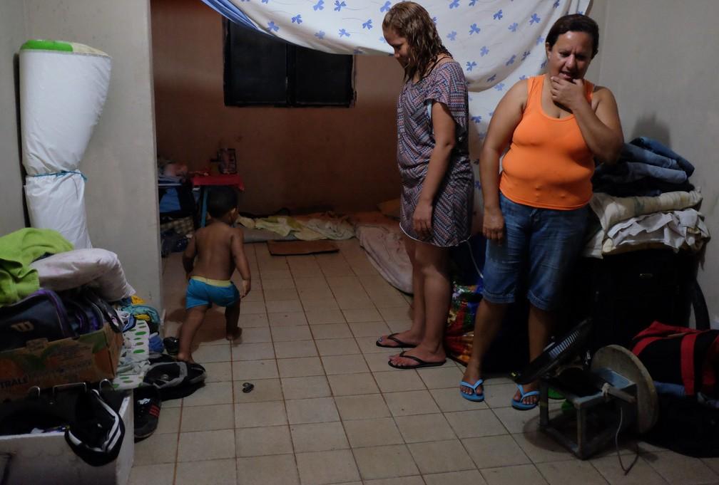 Imigrantes alugam casas em Boa Vista e espaço sem mobília é moradia para até 31 venezuelanos (Foto: Inaê Brandão/G1 RR)