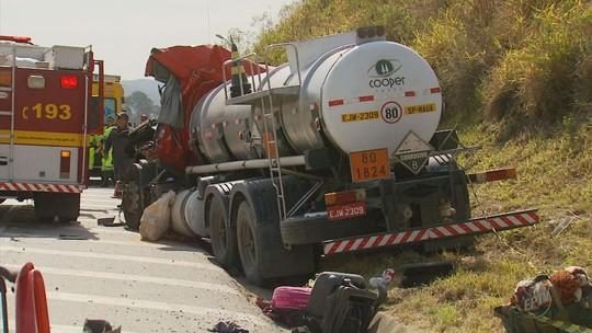 Duas mulheres morrem atropeladas em acostamento de rodovia em Lavras, MG