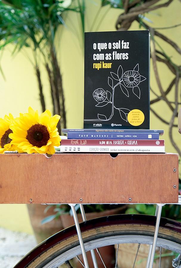 O que o sol faz com as flores, por Rupi Kaur  (Foto: Alline Cury)