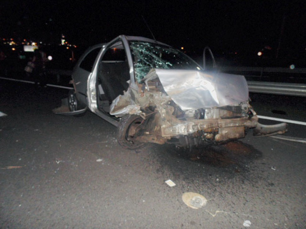 Amanda estava no banco de passageiro, lugar mais danificado no acidente — Foto: Divulgação/Rota das Bandeiras