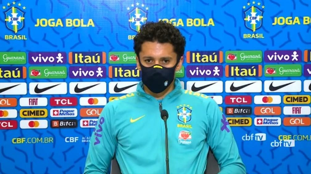 Zagueiro Marquinhos, da seleção brasileira, concedeu entrevista coletiva nesta quarta-feira — Foto: Reprodução