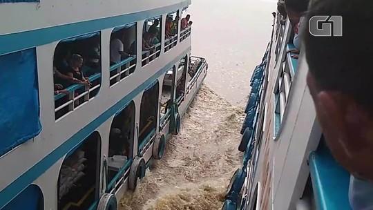 Embarcações com passageiros a bordo fazem manobras arriscadas no rio Amazonas; VÍDEO