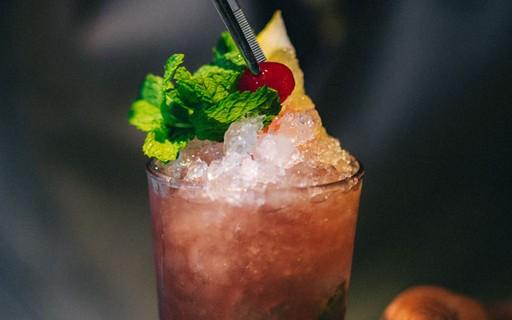 Mojito de cereja: drink certo para refrescar no verão