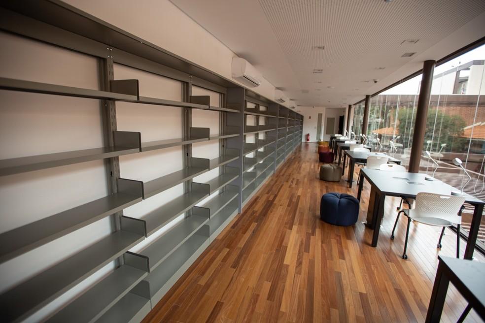Sala de leitura da Biblioteca Sinhá Junqueira, em Ribeirão Preto (SP) — Foto: Weber Sian/ACidadeOn