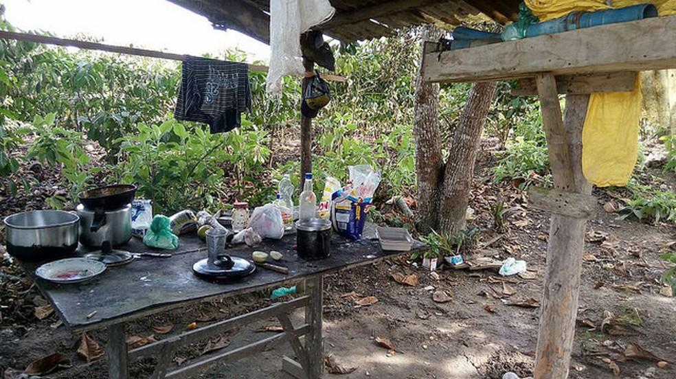 Área de refeição era a céu aberto em acampamento que abrigava trabalhadores explorados em fazend paraense. — Foto: Divulgação / Ministério do Trabalho
