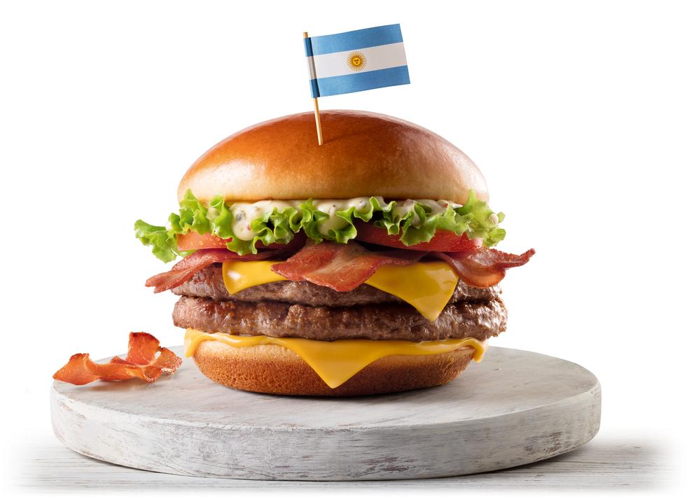 McArgentina, um dos sanduíches lançados pelo McDonald's para a Copa do Mundo (Foto: Divulgação)