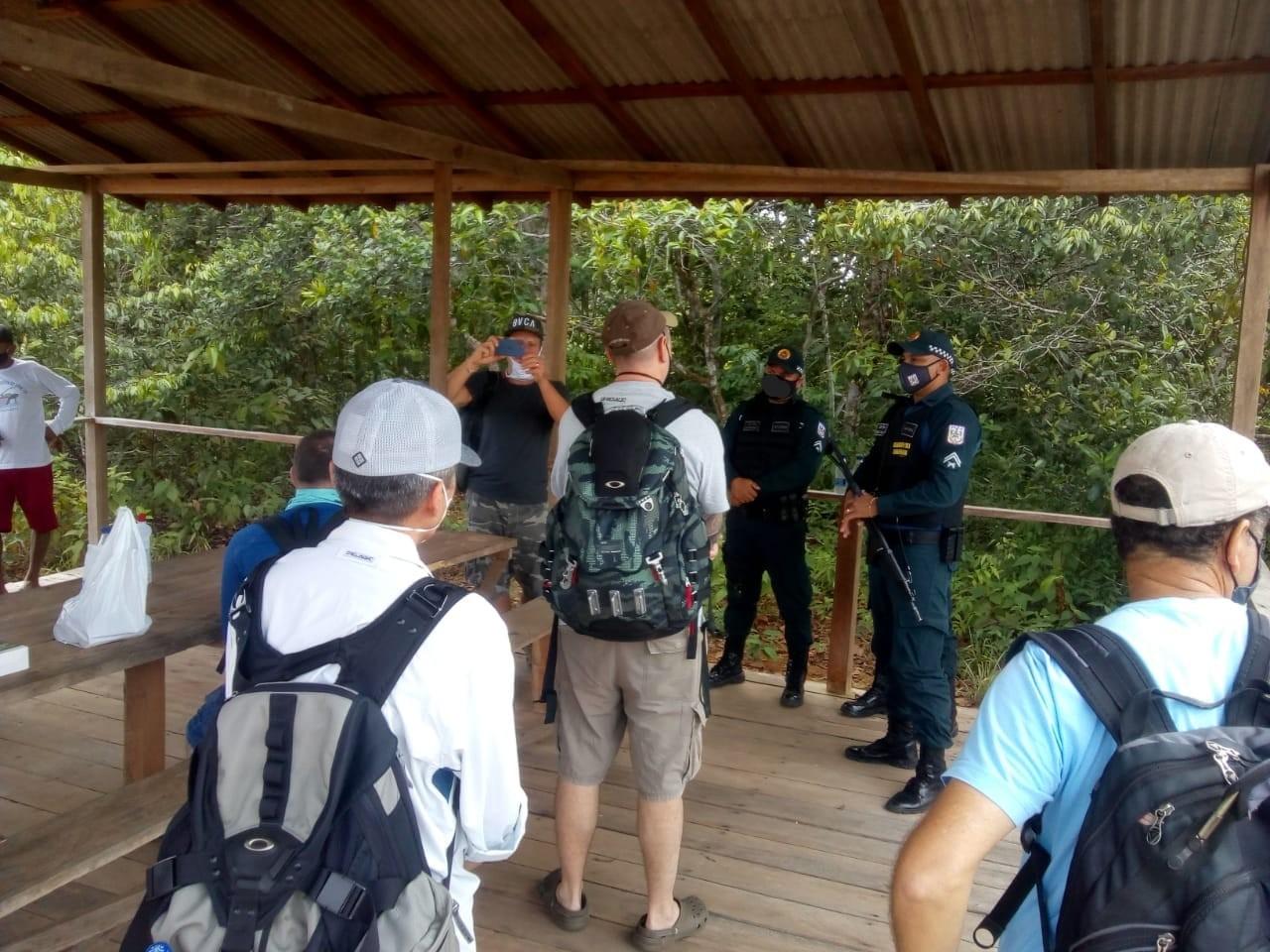 Polícia Militar garante segurança a visitantes de Cachoeira Porteira, em Oriximiná