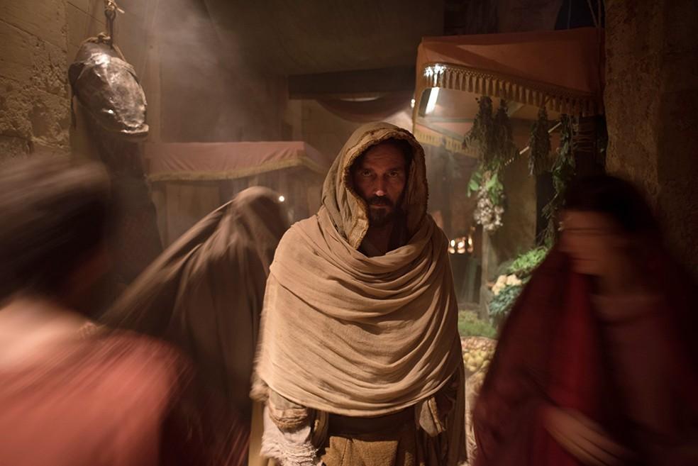 Jim Caviezel em 'Paulo, apóstolo de Cristo' (Foto: Divulgação)