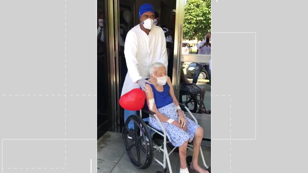 Alice tem quase 105 anos e conseguiu se curar do coronavírus, em Ilhéus — Foto: Reprodução / Hospital de Ilhéus