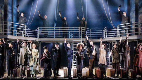 Uma cena do musical Titanic, em cartaz em Londres (Foto: Reprodução)