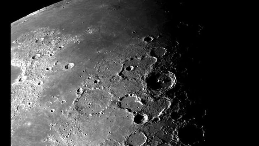 A Lua pode ainda ter atividade geológica ativa, sofrendo de abalos sísmicos, diz estudo (Foto: NASA)
