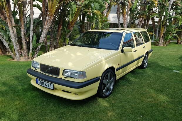 O Volvo 850 T5-R lembra o modelo inscrito no BTCC (Foto: Julio Cabral/Autoesporte)