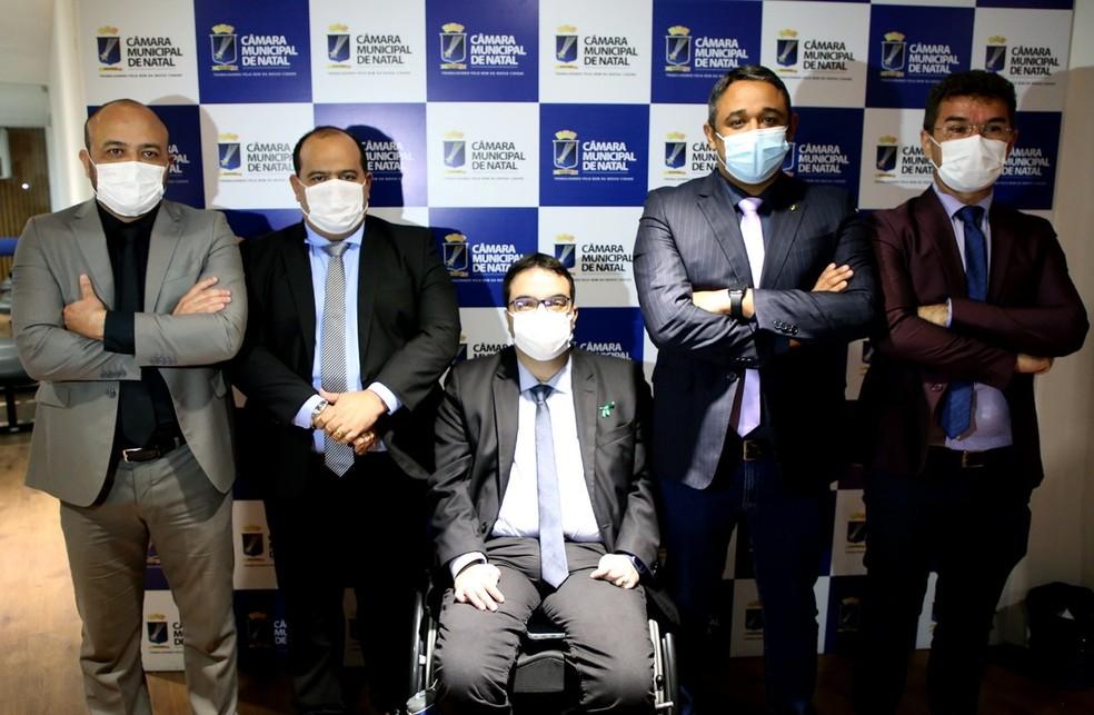 Cinco vereadores anunciam criação de bancada independente na Câmara Municipal de Natal. — Foto: Elpídio Júnior/CMN