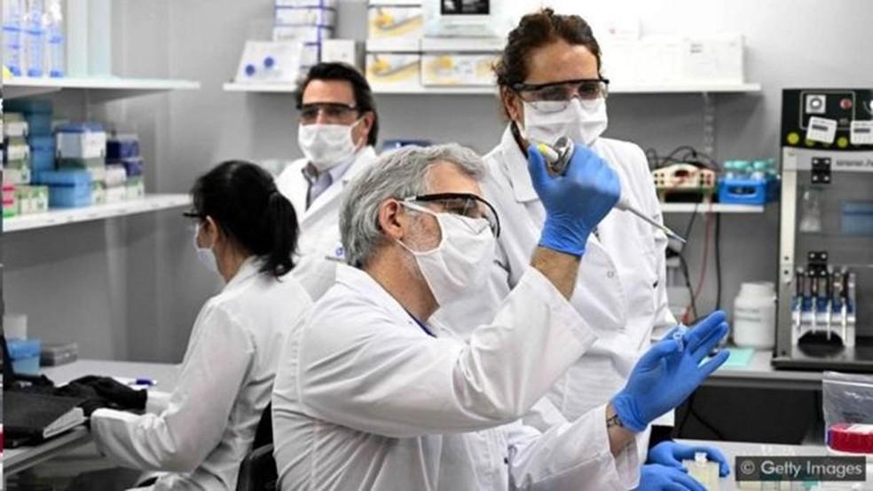 Mais de 300 estudos descobriram anormalidades neurológicas em pacientes com Covid-19 — Foto: Getty Images/ BBC