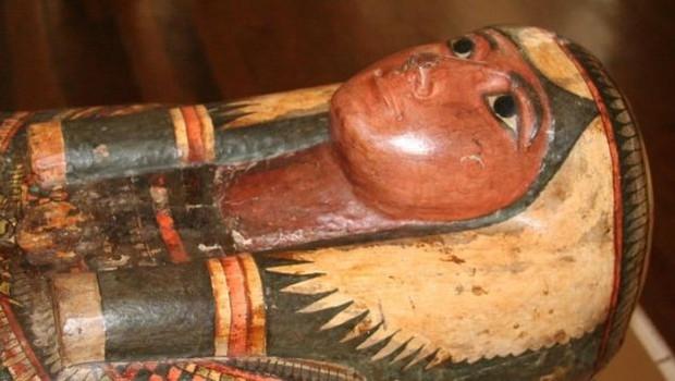 Sarcófago da Dama Sha-Amun-em-su era uma das principais peças da coleção egípcia do Museu Nacional (Foto: ANTONIO BRANCAGLION/MUSEU NACIONAL via BBC)
