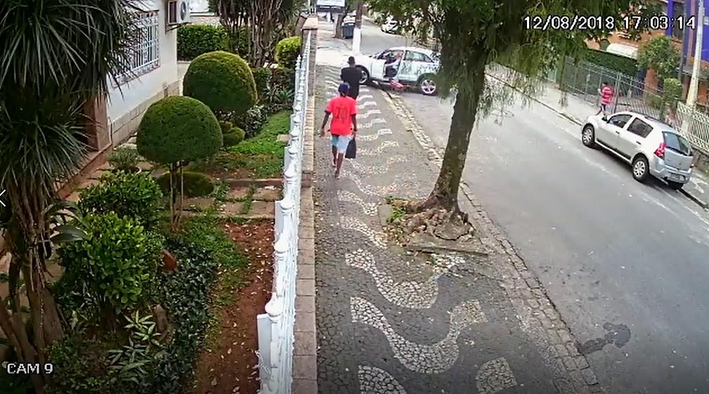 Trio é preso após agredir família e roubar carro de luxo em SP; vídeo