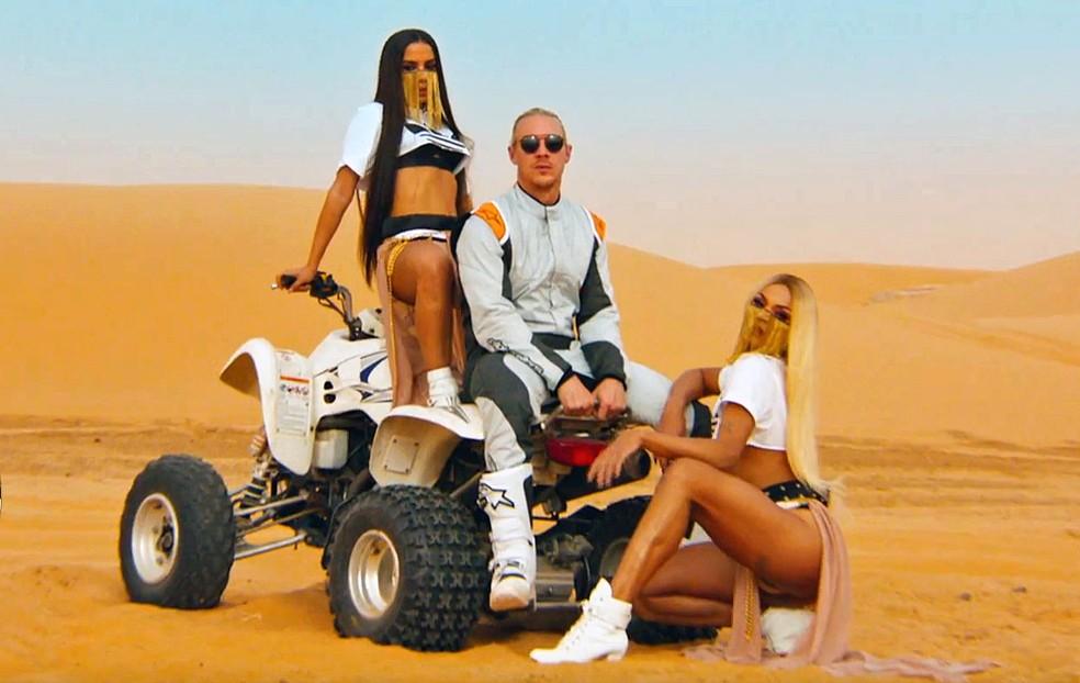 Anitta, Diplo e Pabllo Vittar em cena do clipe 'Sua cara' (Foto: Reprodução/YouTuber/majorlazer)