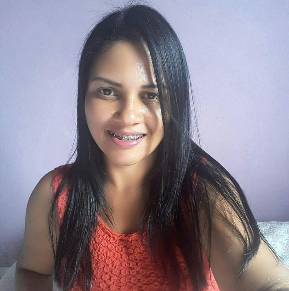 Keila dos Santos foi morta pelo ex.  — Foto: Arquivo Pessoal
