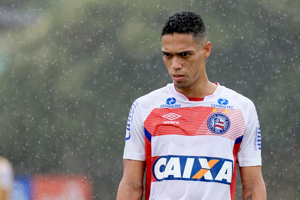 82595b72699a3 ... Eder foi utilizado em apenas um jogo no Brasileirão — Foto  Felipe  Oliveira   Divulgação