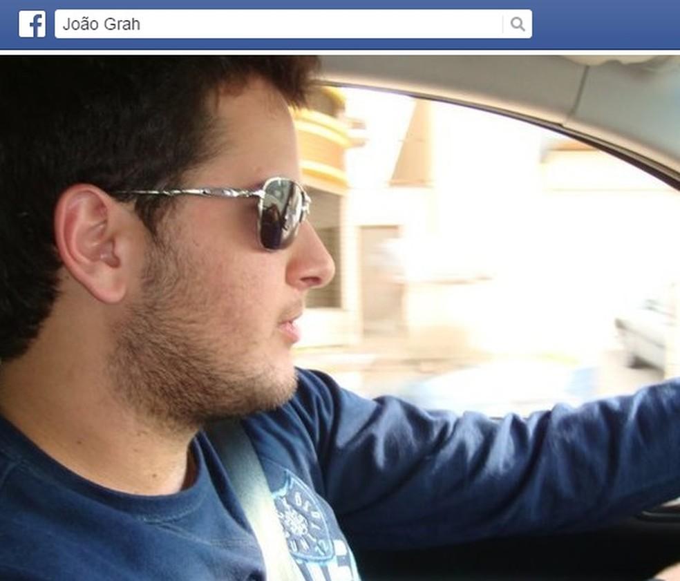 João morreu ao ser atingido por pedra na cabeça — Foto: Reprodução/Facebook