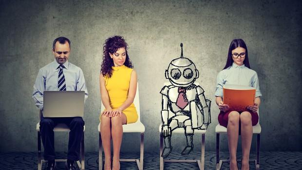 Será que os robôs vão substituir cada vez mais as pessoas no trabalho? A resposta não é simples (Foto: Getty Images)