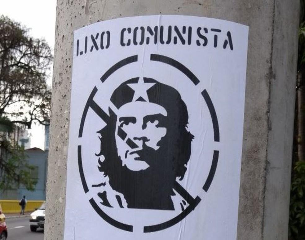 Figura de Che Guevara também foi alvo de ataques (Foto: Jean Mazzonetto/NSC TV)